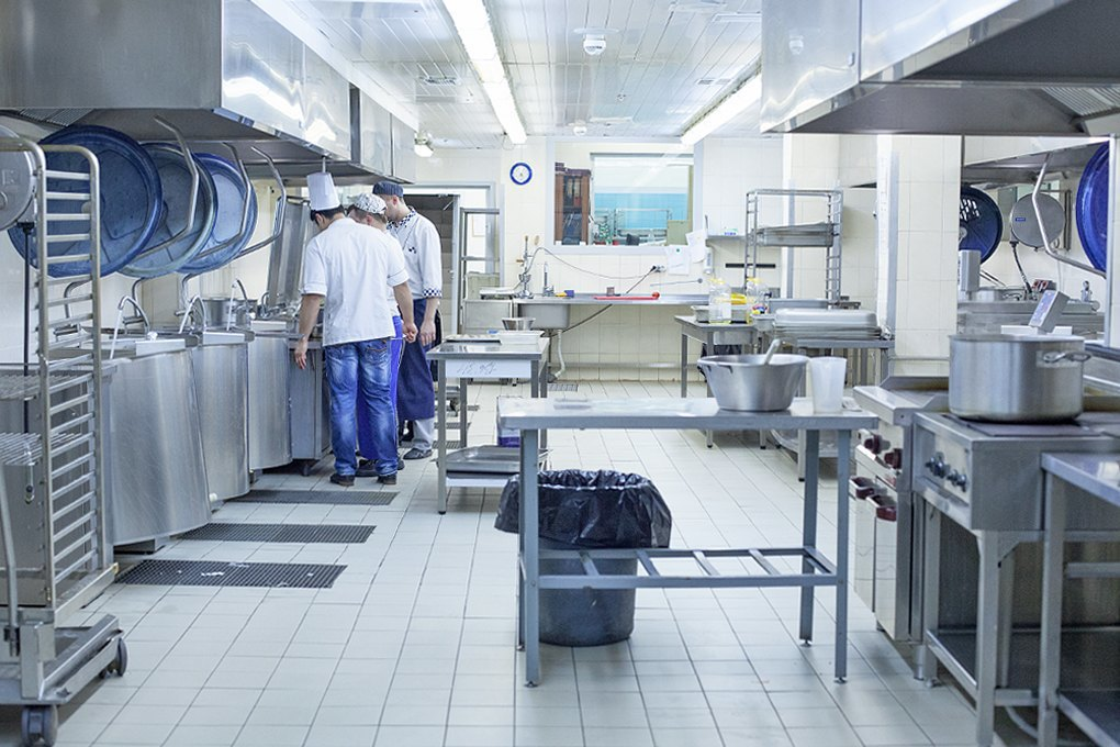 Производственный процесс: Как готовят кошерные обеды для авиапассажиров. Изображение № 12.