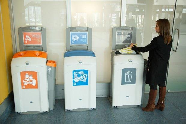 В Пулкове-2 запустили раздельный сбор мусора. Изображение № 1.