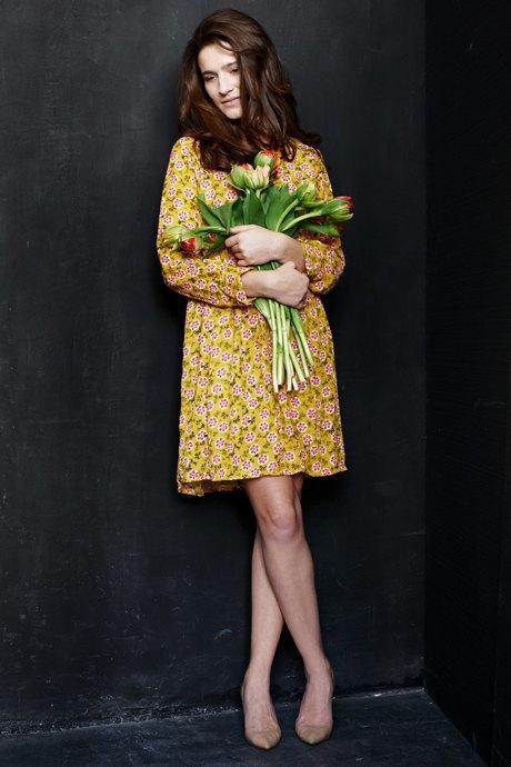 Вещи недели: 12 платьев сцветочным принтом. Изображение № 4.