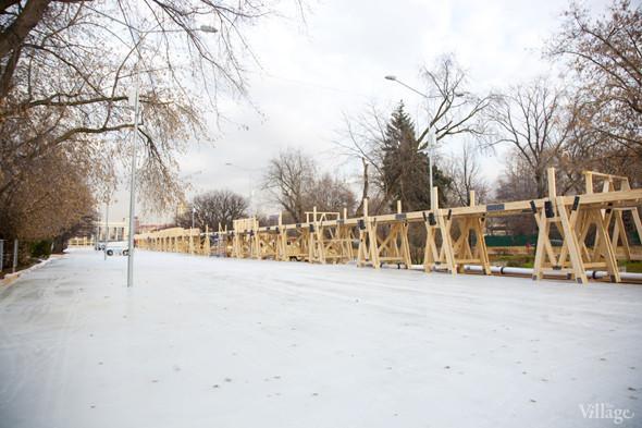 В парке Горького залили каток. Изображение № 11.