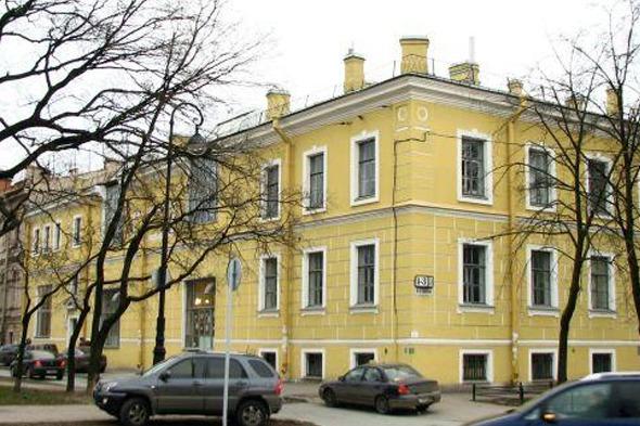 Здание Академии, во дворе которого собираются построить музей. Изображение № 1.