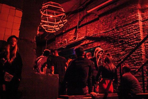 24 новогодние вечеринки в барах Петербурга. Изображение № 1.
