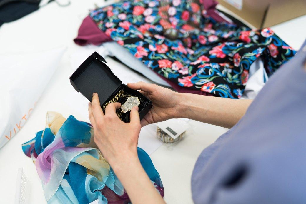 Как помочь горожанам полюбить одежду российских дизайнеров. Изображение № 6.