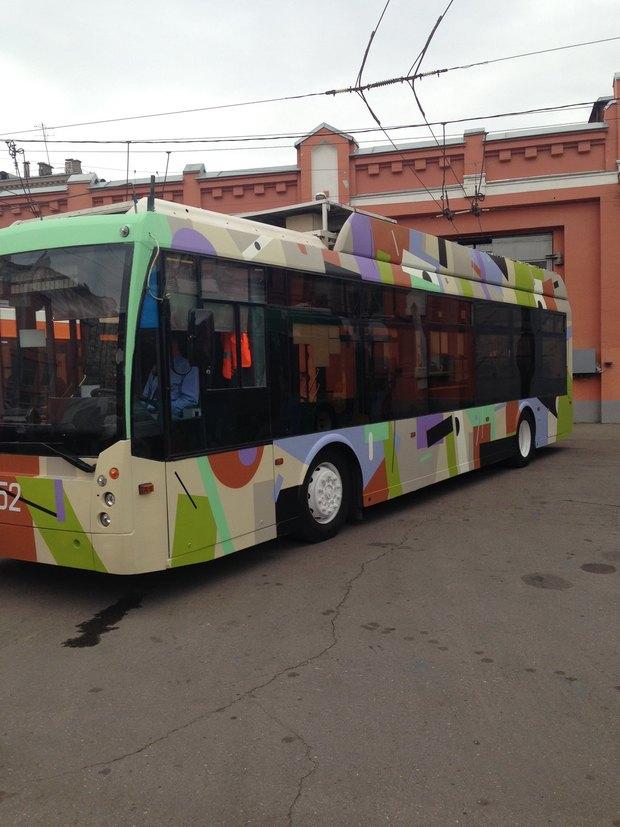 Раскрашенные троллейбусы «Б». Изображение № 2.