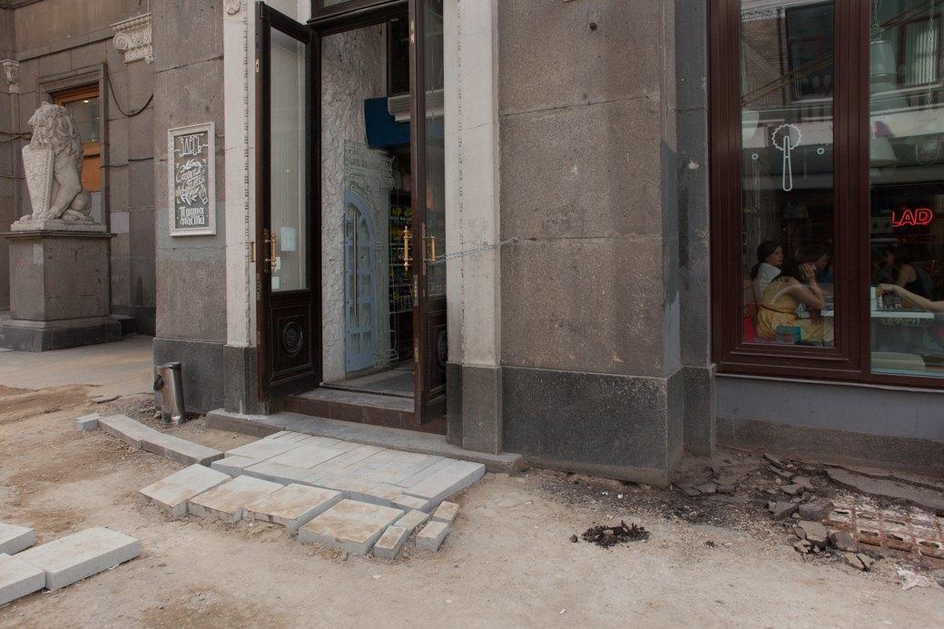 Её раскопали: Пешеходные улицы Москвы за месяц до открытия. Изображение № 13.