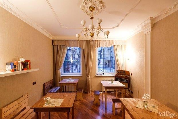 Все свои: Вегетарианское кафе в квартире на Думской. Изображение № 2.