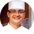 Рецепты шефов: Салат с индейкой, виноградом, сыром грюйер и орехами пекан. Изображение № 1.