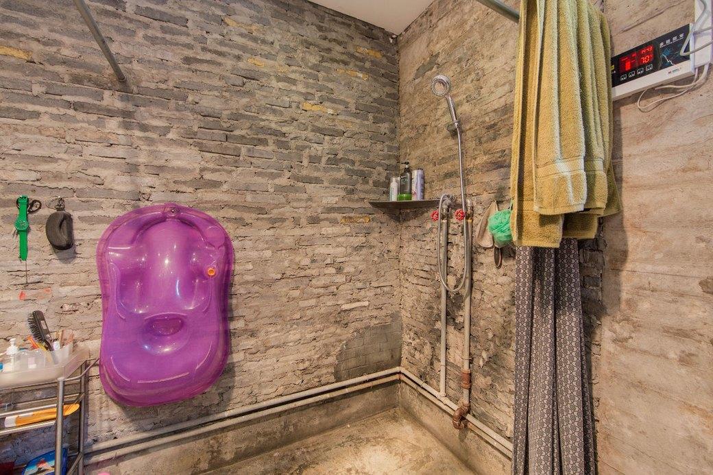 Квартира-мастерская вШанхаесинтерьером извторичныхматериалов. Изображение № 23.