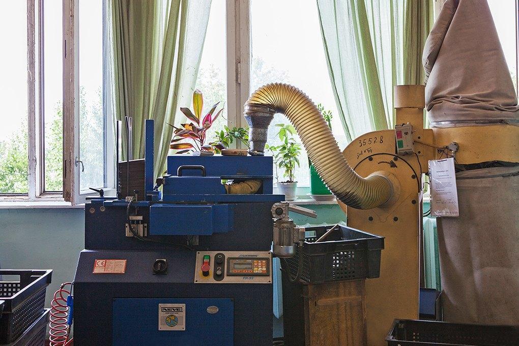 Производственный процесс: Как делают ботинки. Изображение № 17.