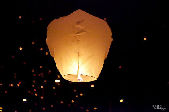 Фоторепортаж: Флешмоб с китайскими фонариками. Изображение № 6.