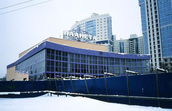 Изображение 2. На последнем дыхании: пустующие кинотеатры Петербурга.. Изображение № 3.