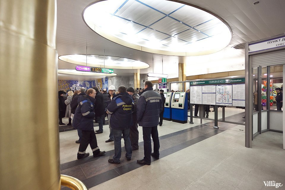 Фоторепортаж: Станции метро «Международная» и«Бухарестская» изнутри. Изображение № 19.