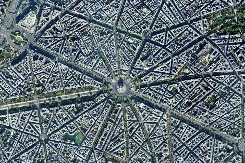 Лучшие виды городов мира изкосмоса. Изображение № 7.