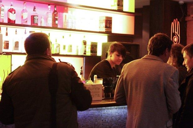 На Жуковского открылся стихийный трёхнедельный бар. Изображение № 2.