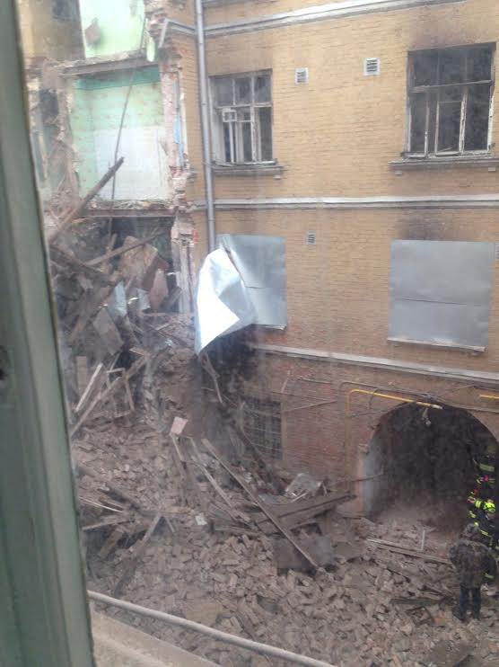 Движение по Каретному Ряду ограничено из-за рухнувшего здания (обновлено). Изображение № 1.