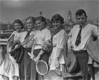 В клубе «Белая ладья» регулярно проходили соревнования по теннису и шахматам. Фото 1939 года