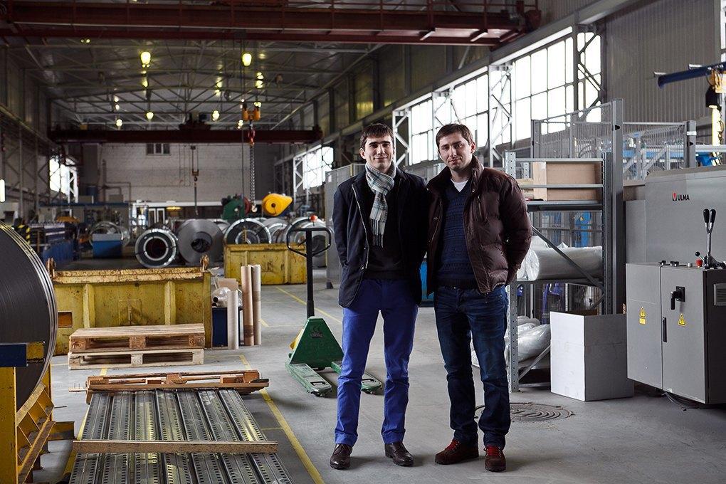 «ДиКом»: Как братья Дорохины оживили семейный мебельный бизнес. Изображение № 1.