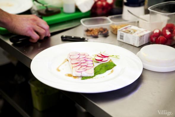 Omnivore Food Festival: Илья Шалев и Алексей Зимин готовят три блюда из редиса и черемши . Изображение № 46.