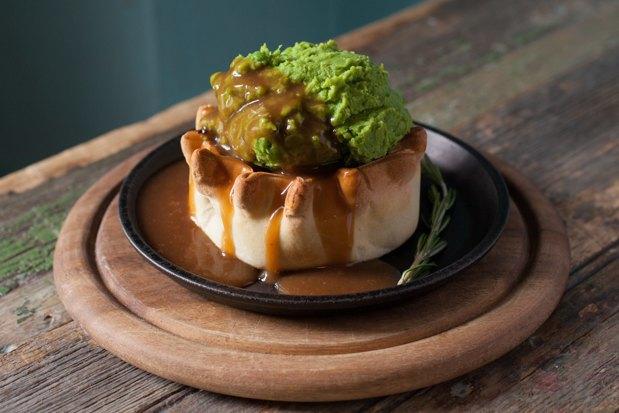 Английские пироги: с мясом, рыбой и вегетарианский. Изображение № 3.