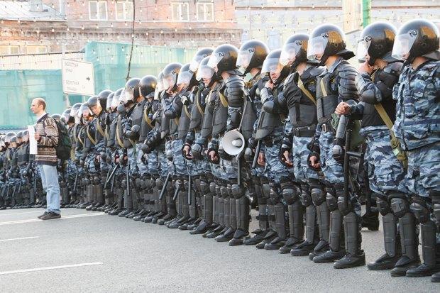 6 мая 2012 года, Москва. Фото: KOZYREV OLEG / Shutterstock.com. Изображение № 5.