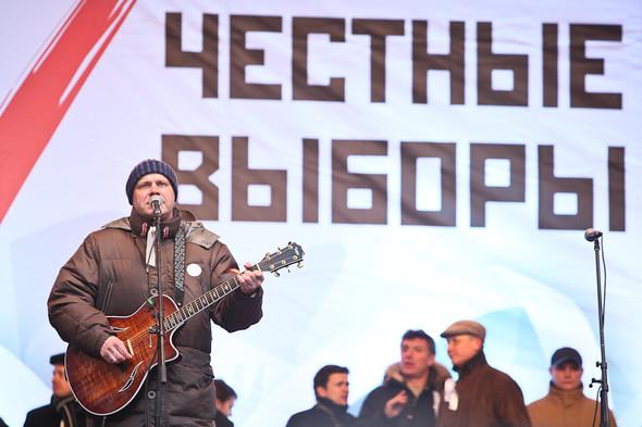 Митинг «За честные выборы» на проспекте Сахарова: Фоторепортаж, пожелания москвичей и соцопрос. Изображение № 27.
