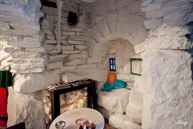 Семейная кофейня «БольшеКофе!» открылась в гроте Александровского парка. Изображение № 10.