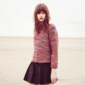 Что надеть: Свитер Raf Simons, винтажное платье Chanel иджинсы Levi's 501. Изображение № 7.