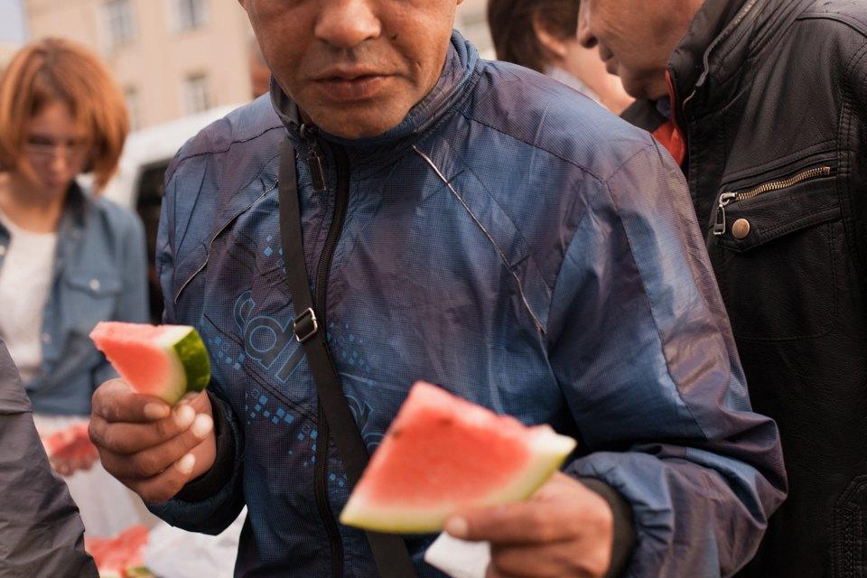 """«Операция """"Ы"""" и другие приключения Шурика» в летнем кинотеатре для бездомных. Изображение № 15."""