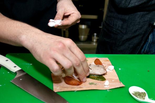 Omnivore Food Festival: Иван Березуцкий готовит суп из черноплодной рябины и нутрию в бересте. Изображение № 12.