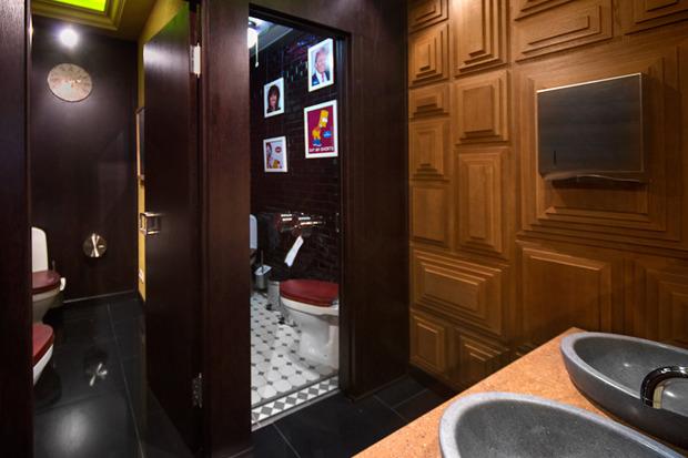 «Две палочки» открылись в стиле американского придорожного кафе. Изображение № 6.