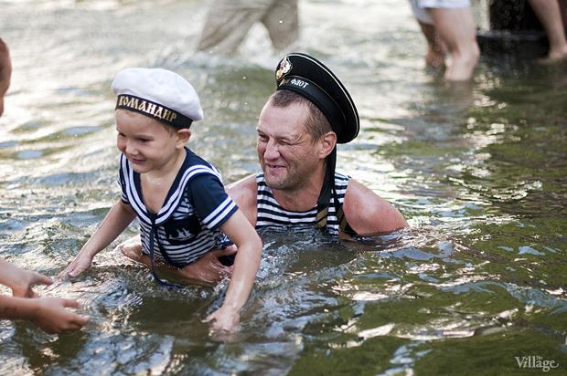 Фоторепортаж: День Военно-морского флота в Петербурге. Изображение № 47.