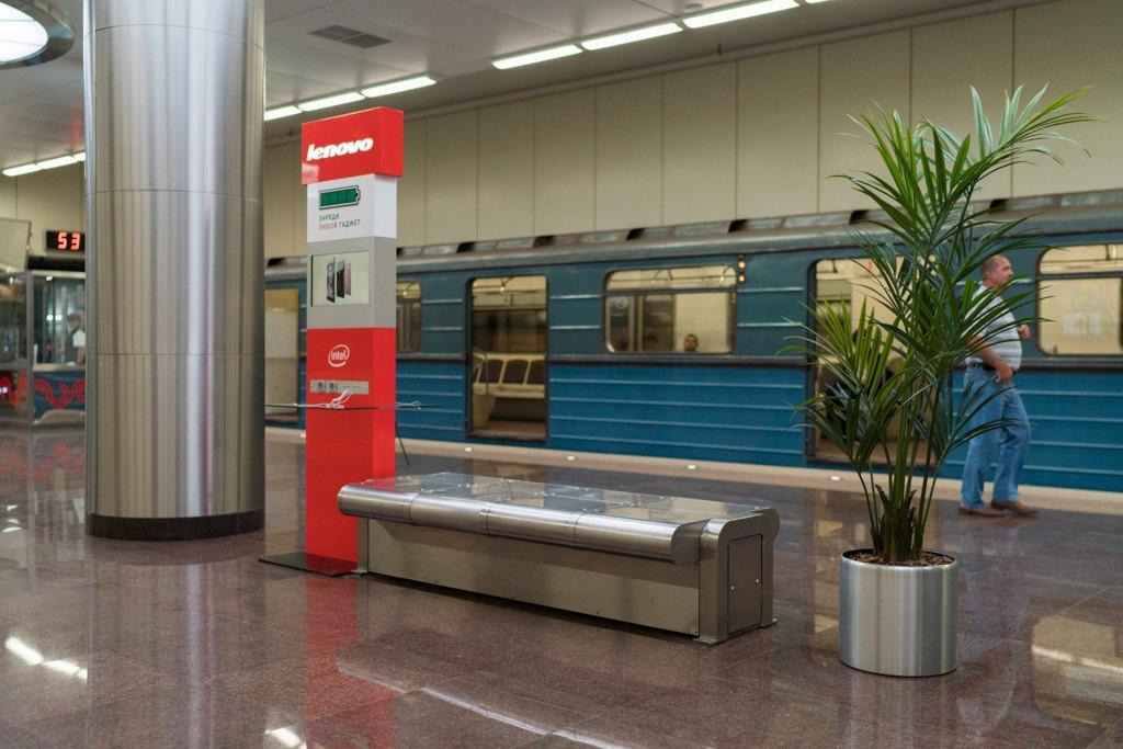 Зонтпэкер изарядка для гаджетов—как устроена станция метро «Котельники». Изображение № 9.