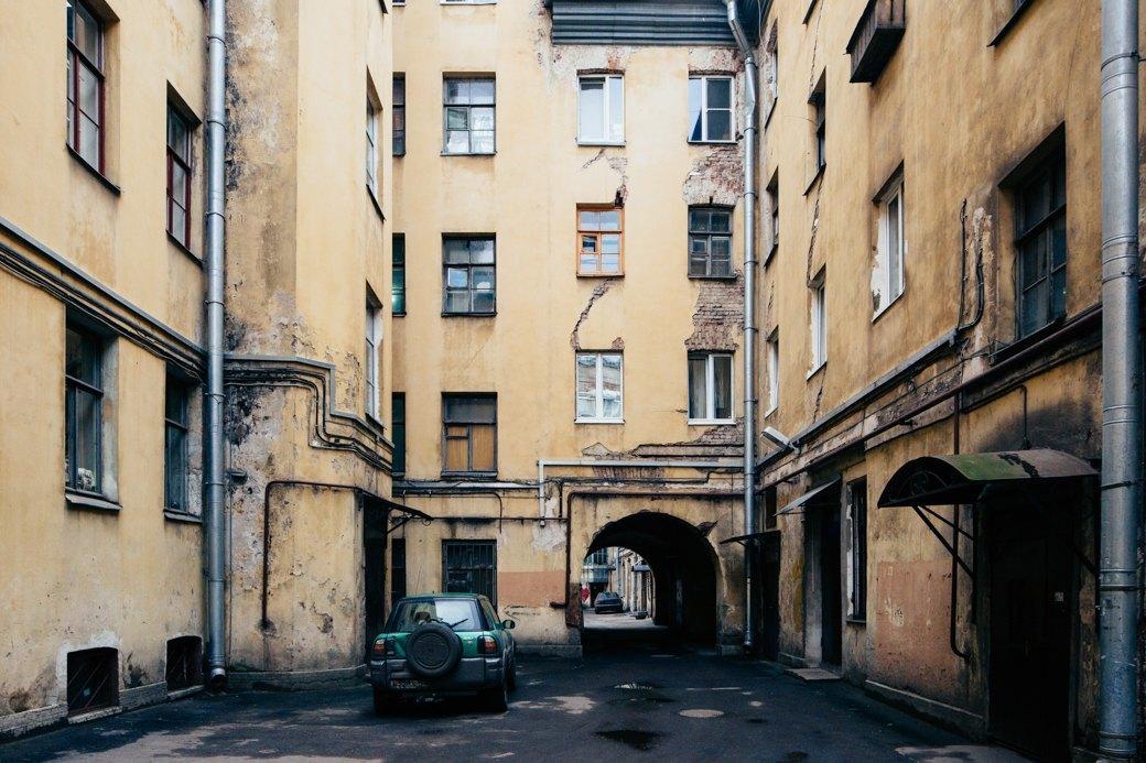 Самые удивительные дворы Петербурга