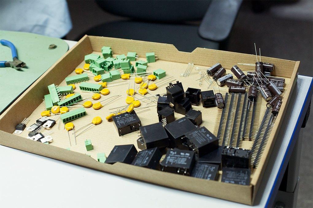Производственный процесс: Как делают платы для электроники. Изображение № 24.