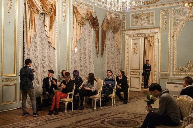 В петербургском загсе женят двух невест. Изображение № 5.