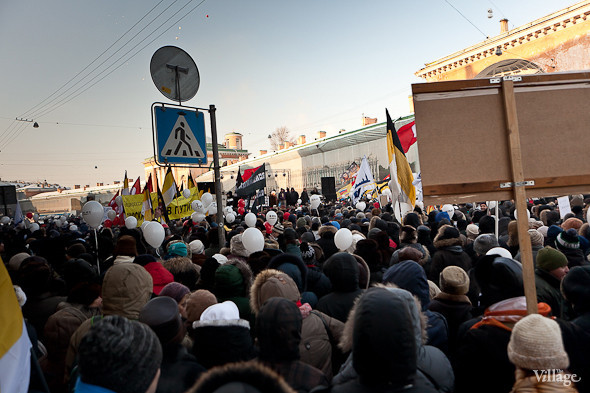 Фоторепортаж: Шествие за честные выборы в Петербурге. Изображение № 50.