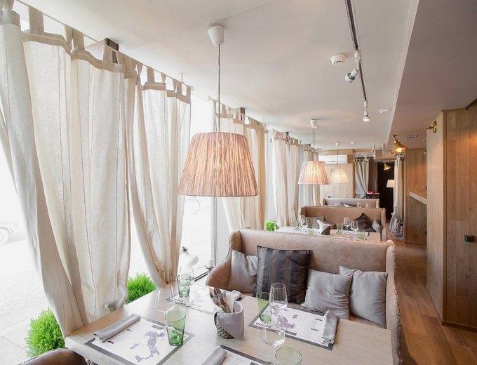 НаМосковском проспекте заработал винный ресторан TheSafe . Изображение № 2.