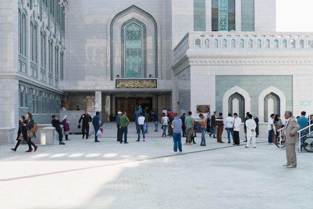 80-метровые минареты иместо для 10тысяч верующих — как выглядит Московская Соборная мечеть. Изображение № 22.