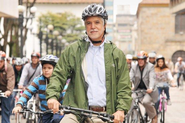 Энрике Пеньялоса: «Спускаться подземлю, чтобы перейти улицу, — этоужасно». Изображение № 1.