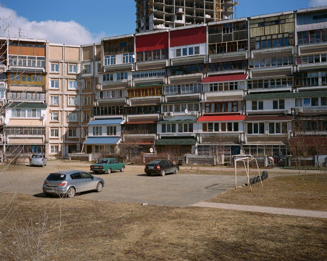 Фотограф Максим Шер — отом, изчего состоит постсоветский город. Изображение № 33.