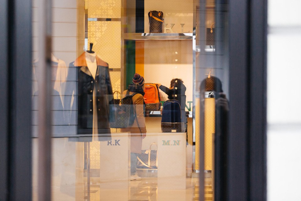 Редакция TheVillage проверяет, как вдорогих бутиках реагируют напростых смертных. Изображение № 7.