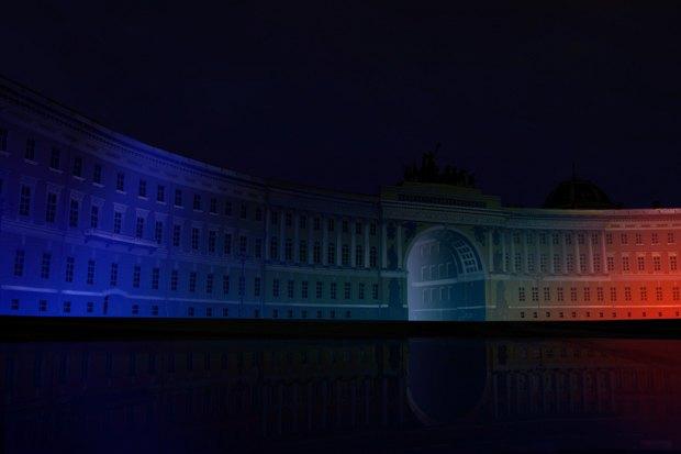 На ночь глядя: 12 проектов подсветки Главного штаба. Изображение № 45.