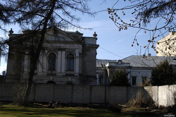 Около Пушкинского музея вырубают старинный парк. Изображение № 7.