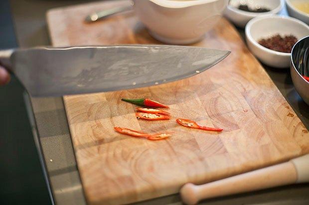 Шеф дома: Том ям и сашими из тунца Геннадия Иозефавичуса. Изображение № 91.