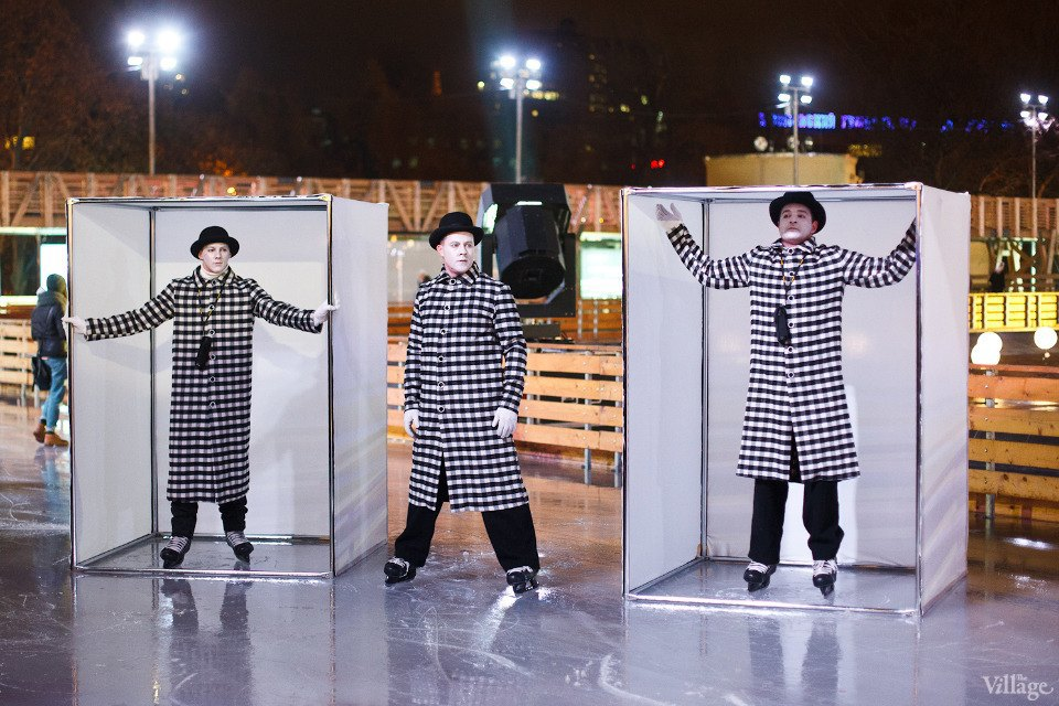 Люди в городе: Первые посетители катка в парке Горького. Изображение № 2.