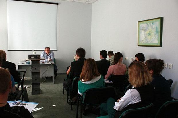 Две школы муниципальных депутатов открылись в Петербурге. Изображение № 6.