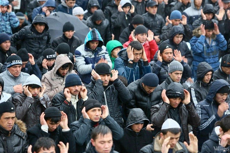 Люди в городе: Как отмечали Курбан-байрам в Москве и Петербурге. Изображение № 22.