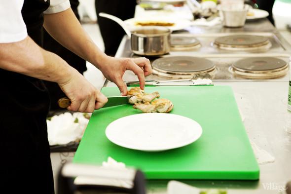Omnivore Food Festival: Андрей Рывкин готовит карри из петуха на монастырском квасе. Изображение № 27.