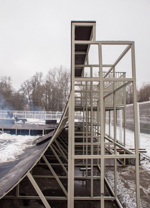 Опасный для здоровья скейтпарк вПушкине отказались принимать после жалобы спортсменов. Изображение № 4.