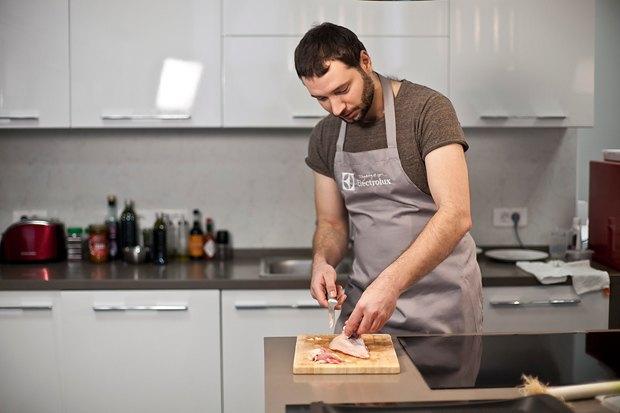 Шеф дома: Котлета из цесарки и пирог-галета Дениса Крупени. Изображение № 11.